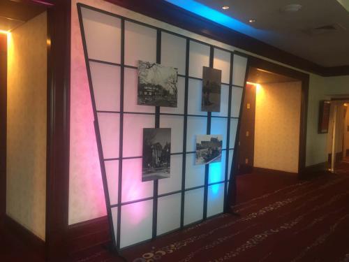 80s - Photo Display Walls