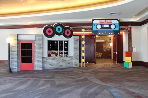 80s - Record Shop Entrance