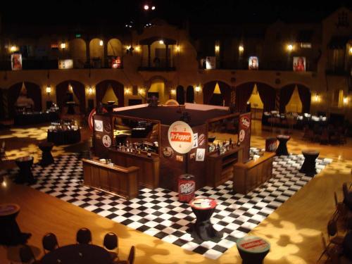 """""""Pub"""" Style - Bar Station - 4-Sided"""
