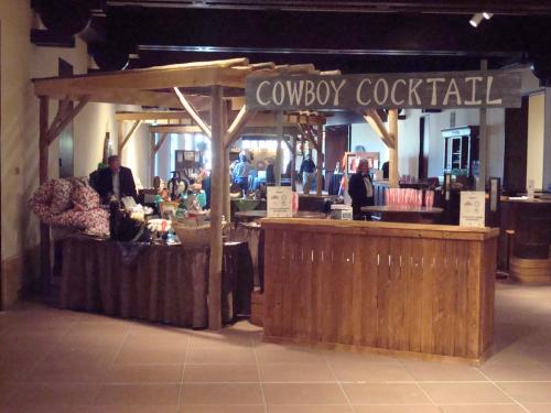 Western Theme - Arbor and Wood Bar Fronts - Bar Station