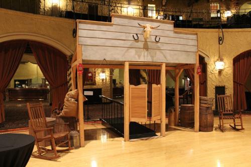 Western Theme - Saloon Entrance