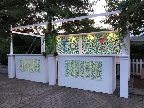 Garden Theme Bar Station