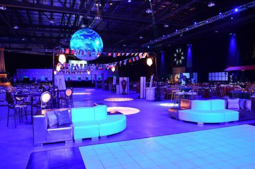 Inflatable Globe - 10 foot diameter