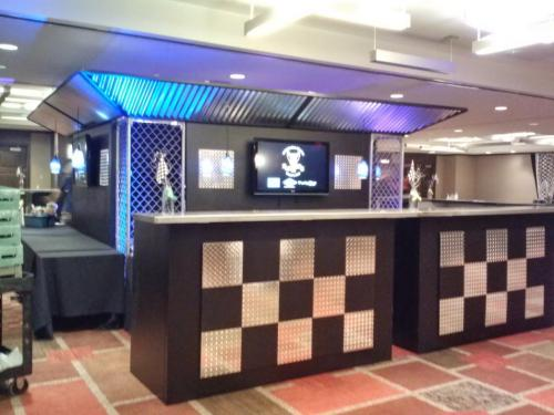 Race Theme - Contemporary Design with Diamond Plate Accents