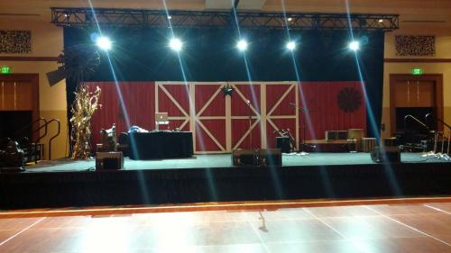 Rustic Elegance - Barn Theme Stage Set