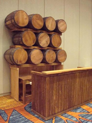 Rustic Wood - Barrel Bar Station