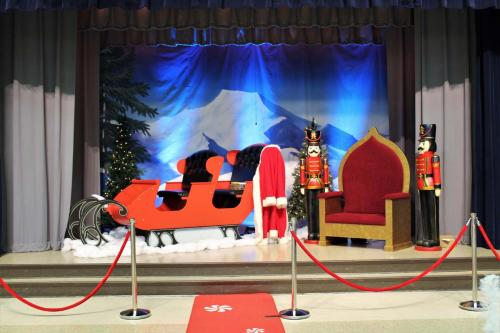 Santa Sleigh - Nutcrackers - Chair and Backdrop