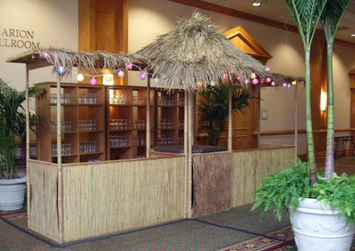 Tropical - Tiki Hut - Catering Station
