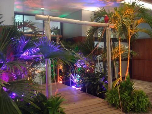 Tropical - Rustic Wood Walkway Entrance