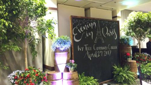 Vineyard Chalkboard Display